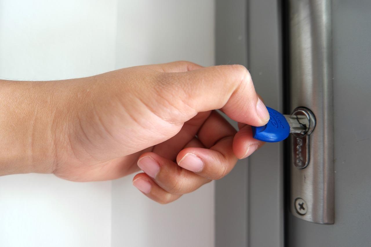 Réparation d'une porte porte blindée, comment s'y prendre ?